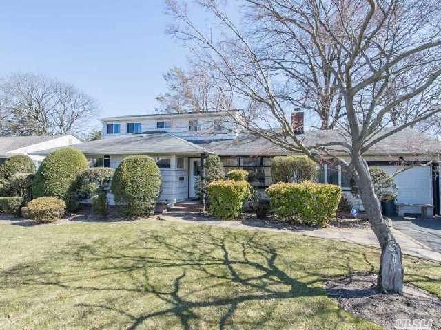 5 BR,  3.00 BTH  Colonial style home in WESTBURY